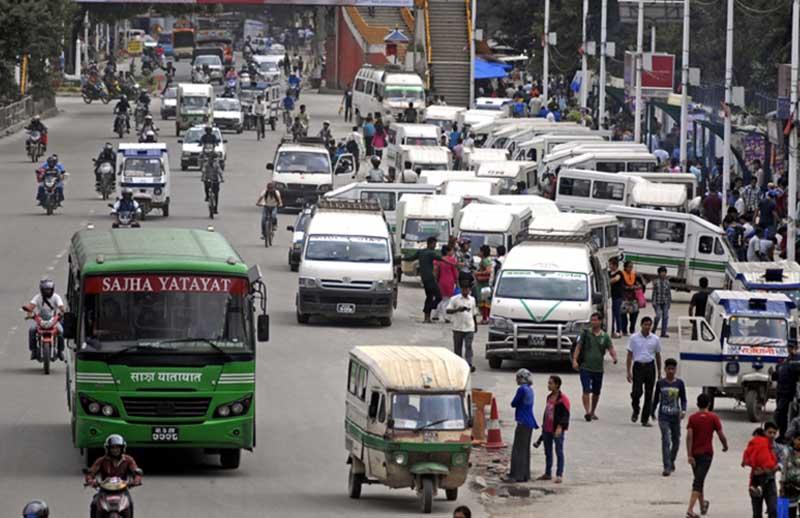 सार्वजनिक यातायात आजदेखि सञ्चालन, काठमाडौँमा जोर बिजोर