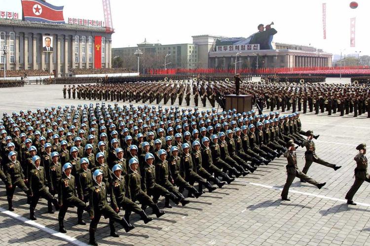उत्तर काेरिया किन गर्दै छ अहिलेसम्मकै शक्तिशाली सैनिक परेड ?