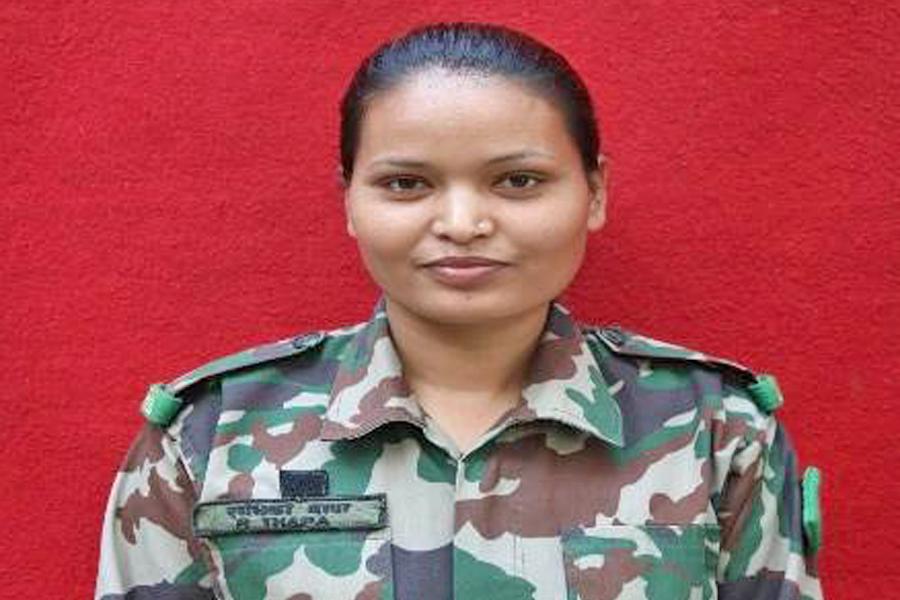 यी हुन नेपालकाे पहिलो  जंगल वारफेर तालिम पुरा गर्ने साहसिक   महिला सैनिक