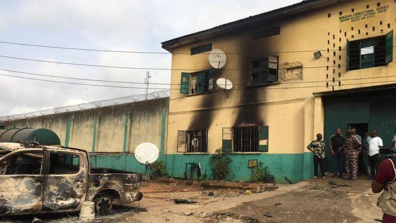 नाइजीरियाको जेलबाट १८ सय भन्दा बढी कैदी फरार