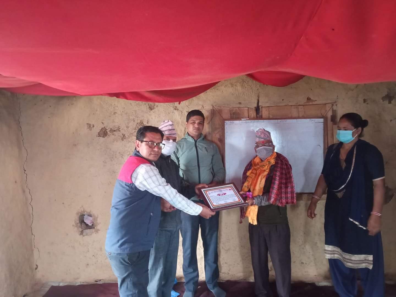 नेपाल राष्ट्रिय शिक्षक संगठन रुकुम द्वारा चिन्तारामलाई सम्मान